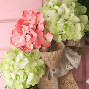 DIY Hydrangea Wreath, shared by Crafts a la Mode
