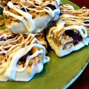 No-bake Cranberry Almond Granola Bars, shared by My Sweet Mission