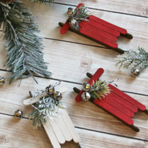 Popsicle Stick Sled Ornaments, shared by Clean & Scentsible