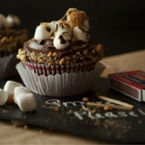 S'mores Cupcake Recipe shared by Bombshell Bling