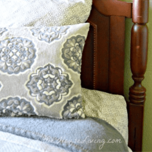 Tips for Keeping Overnight Guests Comfortable & Welcome, shared by Little House Living