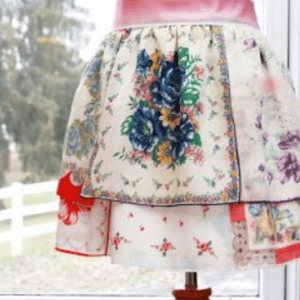 Vintage Handkerchief Apron, shared by Flamingo Toes